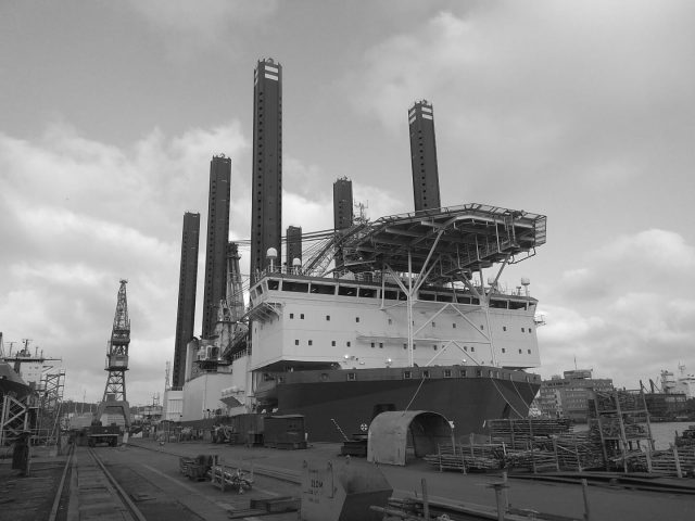 Works on a special ship – a floating platform – in one of the Polish shipyards